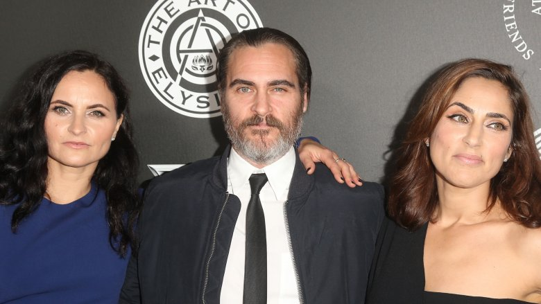 Joaquin Phoenix and sisters